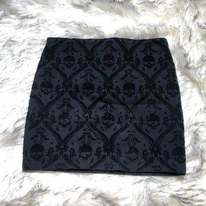 [15-35] Zara | black skull print mini skirt